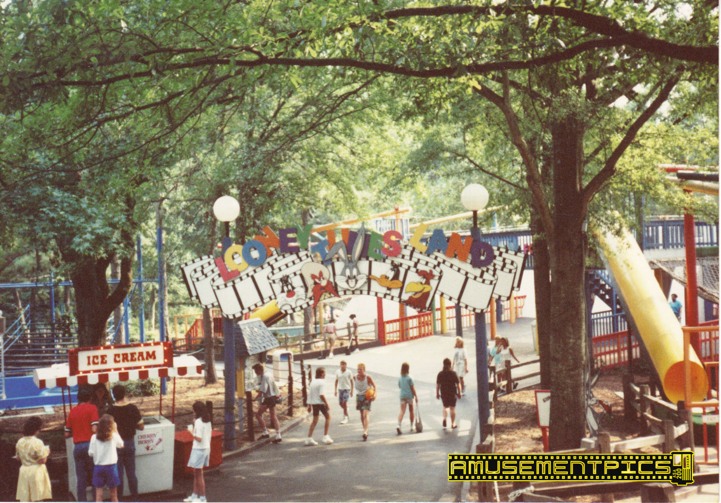 Six Flags Over Georgia Past Attractions