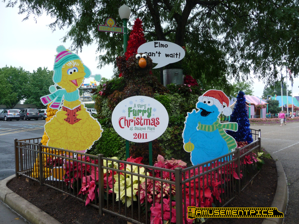 sesame place christmas in july preview of very furry christmas - Furry Christmas
