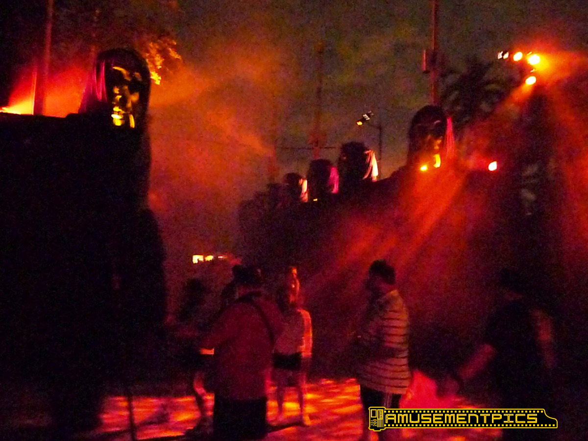 Universal orlando halloween horror nights 2011 Go to the website